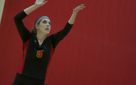 Volleyball ends season in first round of IIAC Tournament
