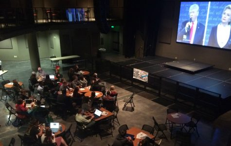 Simpson students gather for bipartisan debate watch party