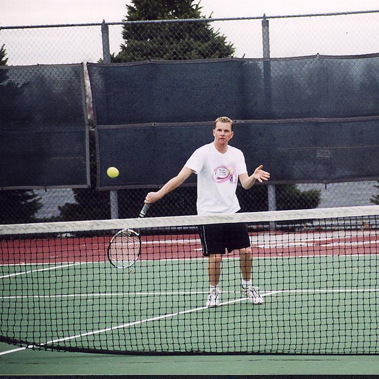Tennis teams serve up big wins