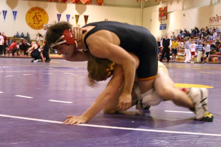 Wrestlers place seventh at tourney
