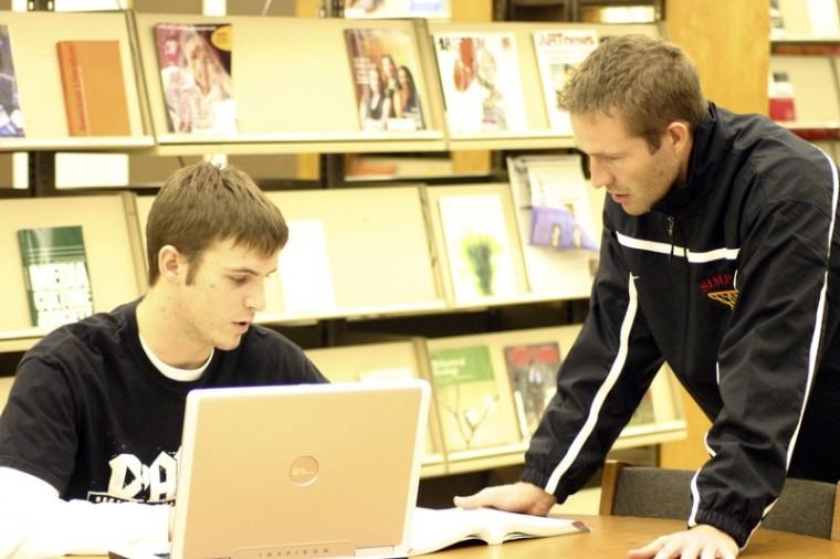 Freshmen+basketball+players+hit+the+books