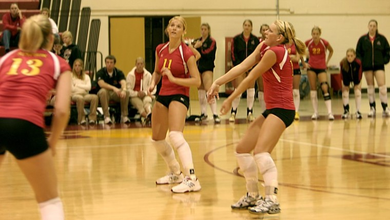 Volleyball seniors lead by example