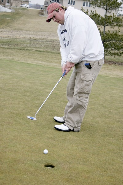 Late Simpson golfer honored in