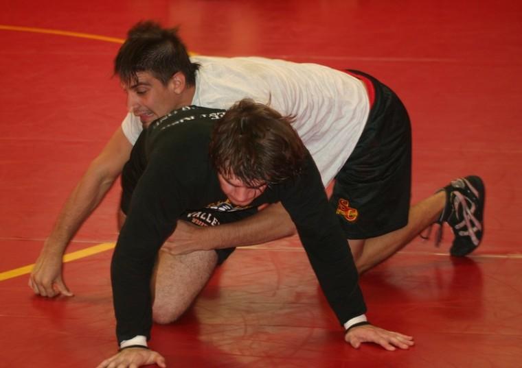 Wrestling begins season with strong senior leadership