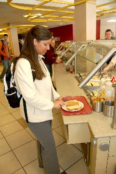 Dining Services quick to replace tainted peanut butter