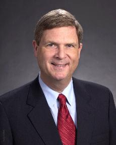 Former governor to speak at commencement services