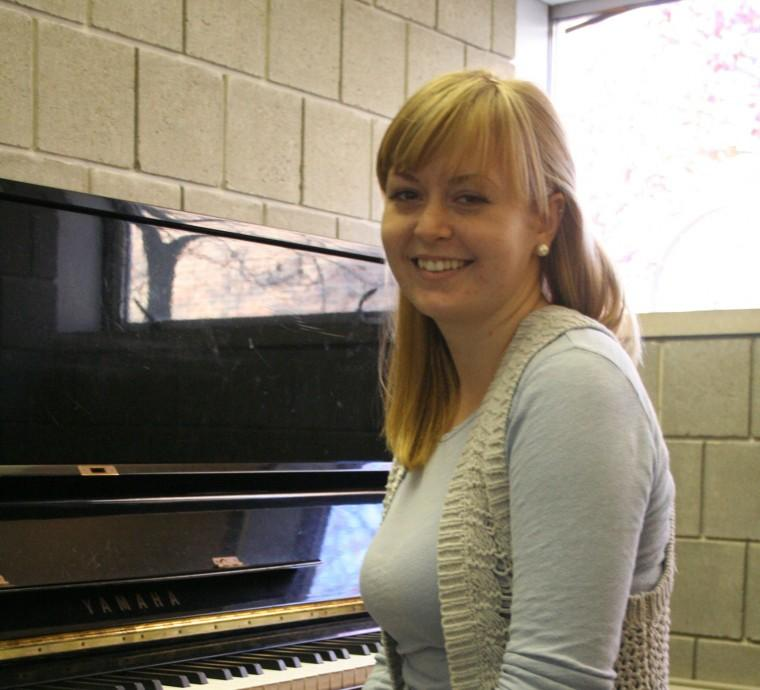 Behind the Performer - Aimee Allen