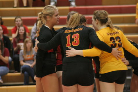 Storm stave off Luther comeback to win in five sets