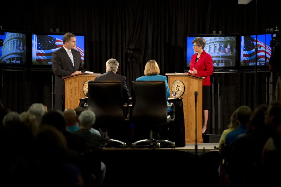 Braley+and+Ernst+face+off+at+Simpson+debate