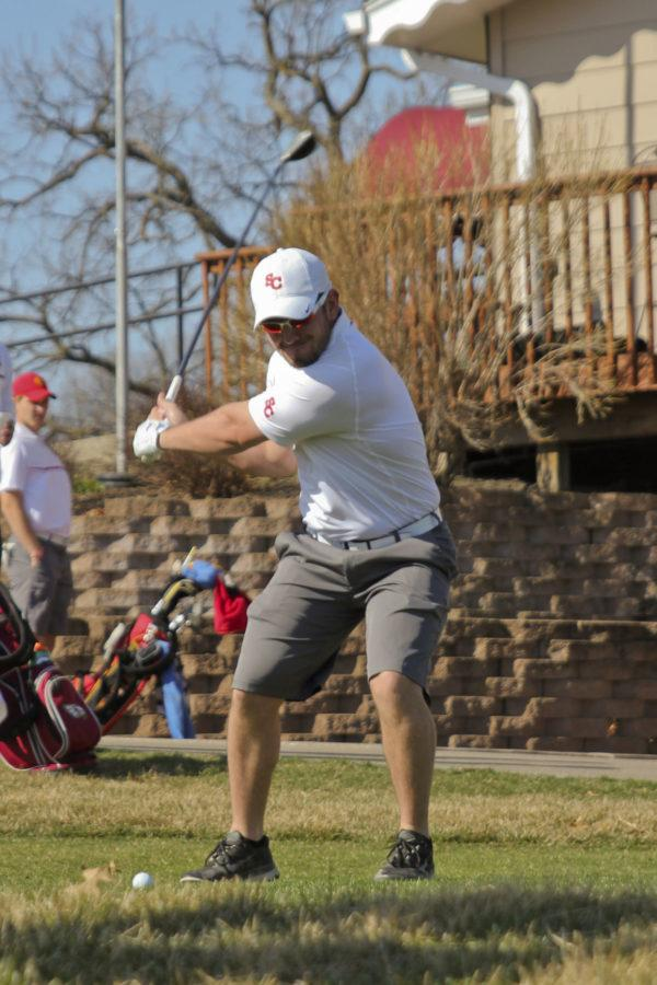 Men's golf with a first place finish to start the spring season