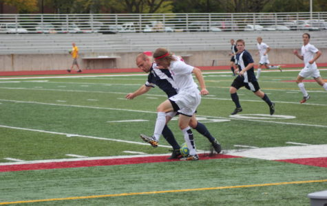 Men's soccer loses first game of season as Saint John's steals win