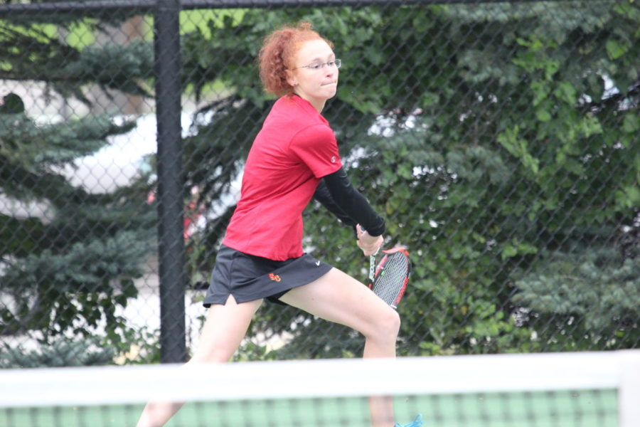 4 reach quarterfinals, women's tennis comes up short of IIAC Tourney day 2