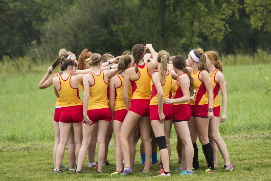 XC makes strides at UW-Lacrosse Invite en lieu of IIAC Championships