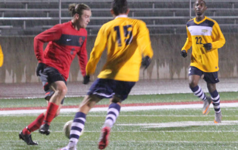 Storm advance to Rd. 2 of IIAC Tourney in heroic, penalty kick style