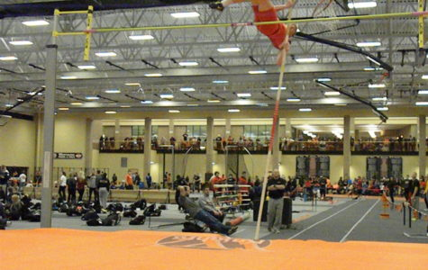 Track and Field opens season at Dutch Holiday Invite - Kalinay, Frazier post best scores