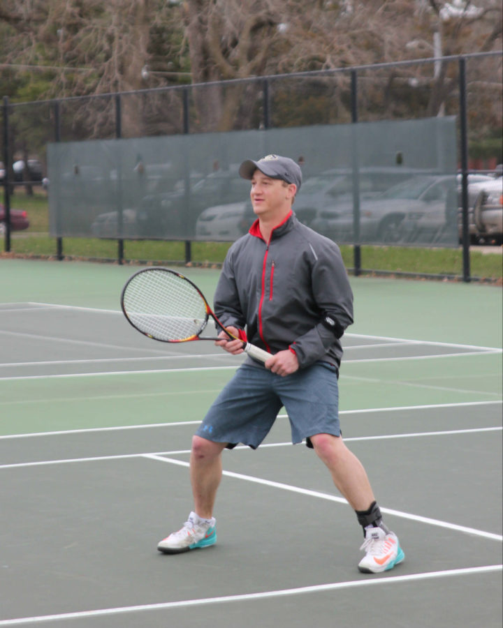 Kusick comes back from injury, boosts Simpson men's tennis