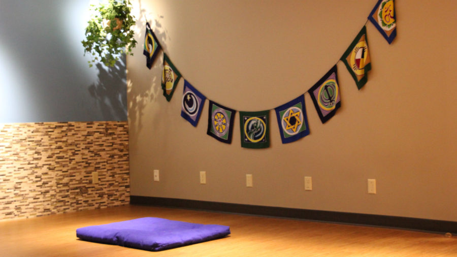 Religious, non-religious students alike find peace in meditation room