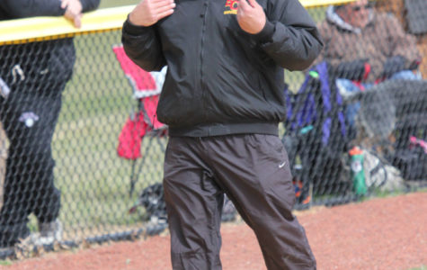 Interim softball coach looks to bridge gap between coaches
