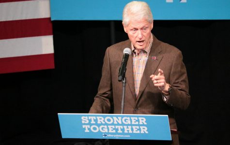Former President Bill Clinton stumps for Hillary Clinton at Simpson College