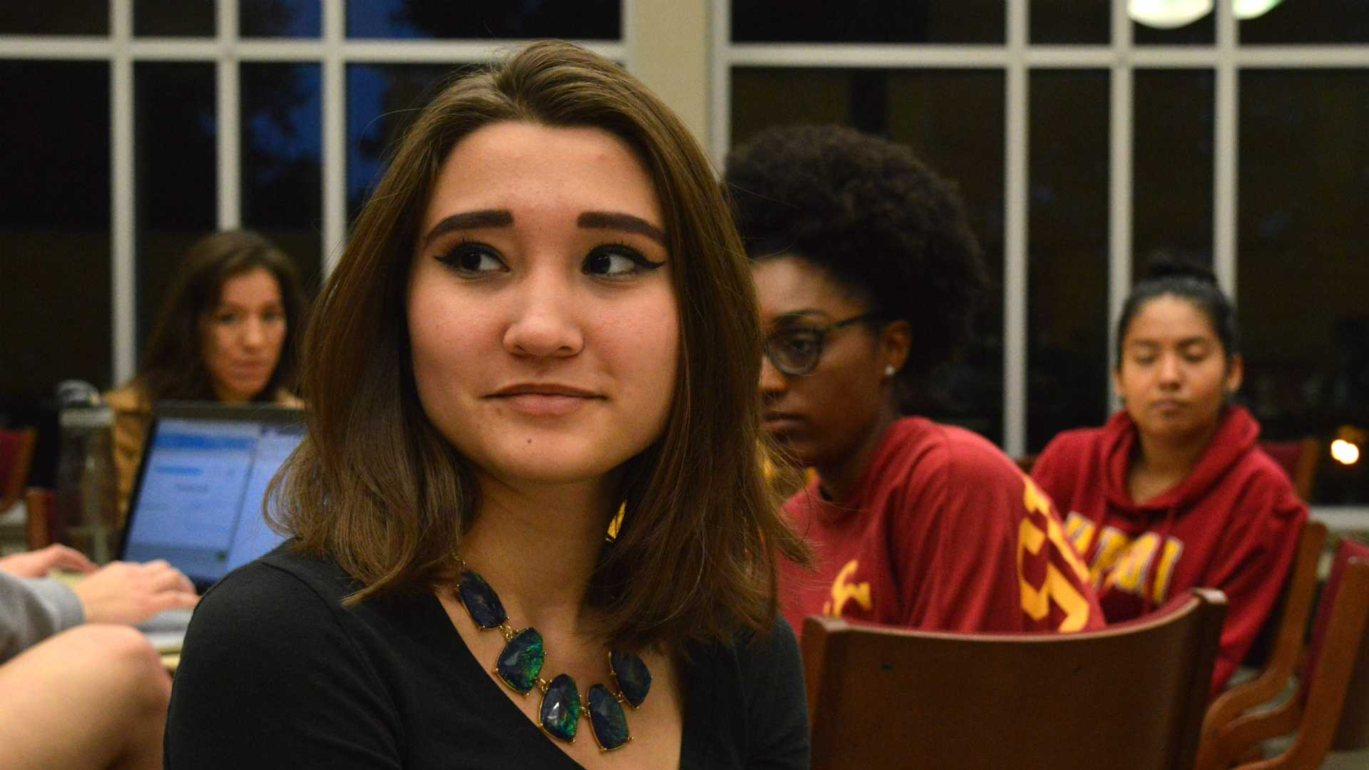 Students were placed into small groups and encouraged to discuss their experiences of oppression or discrimination at a community forum on Monday, Oct. 10, 2016. (Lucy DeBisschop/The Simpsonian)