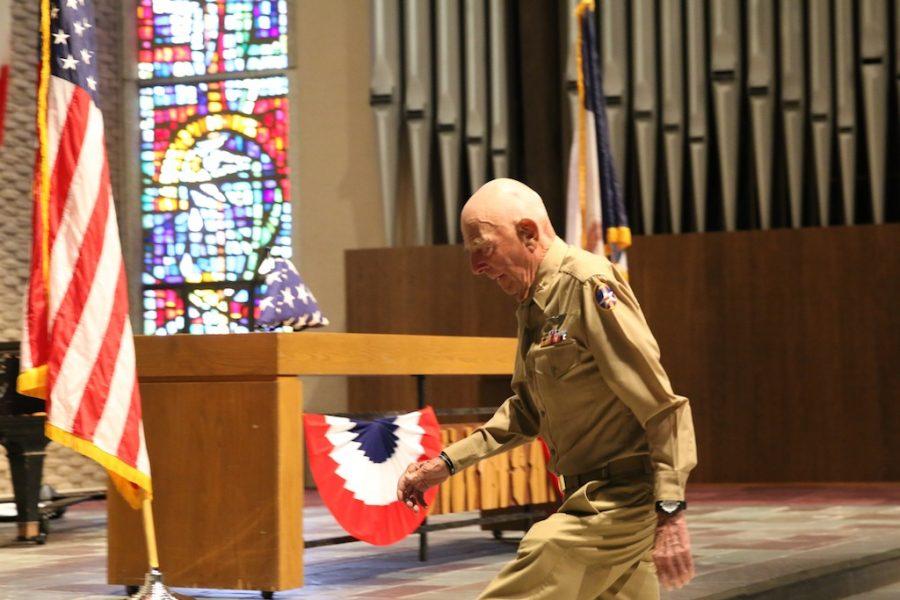 Retired+Capt.+Jerry+Yellin+keynotes+2016+Veterans+Day+ceremony