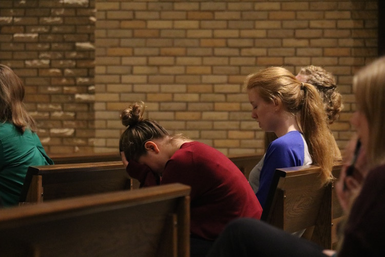 Simpson College students gathered at Smith Chapel Wednesday evening -- less than 24 hours from the time Beminio and Martin were gunned down. (Photo: Jayde Vogeler, Photography Editor/The Simpsonian)