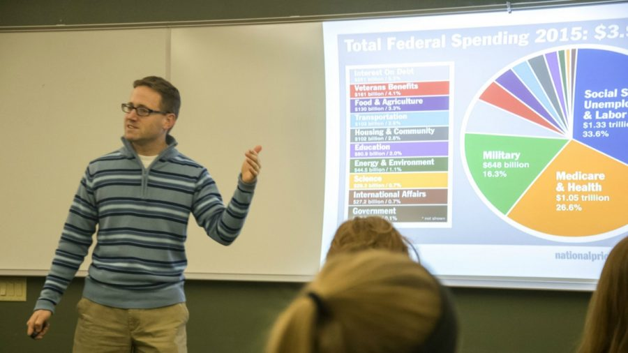Pizza and Policies: Forum makes sense of U.S. national debt