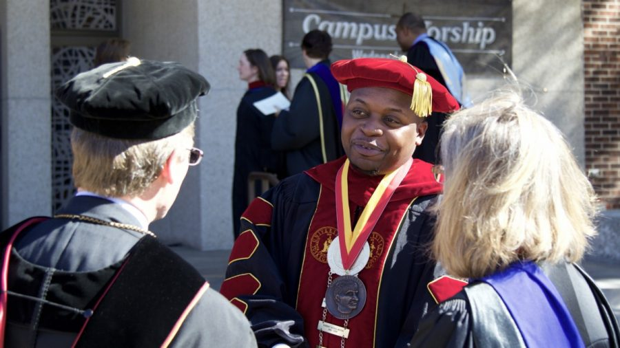 President of Tuskegee University receives Carver Medal