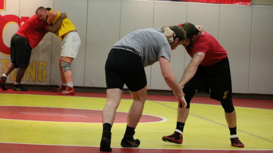 Wrestlers+practice+Greco-Roman+wrestling+during+offseason