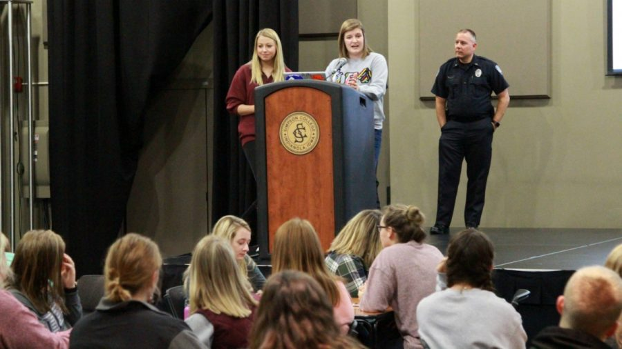 Pi Phi takes on distracted driving with Indianola police