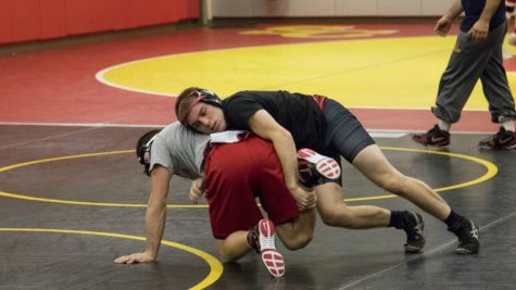 Storm wrestling places two at Luther Open