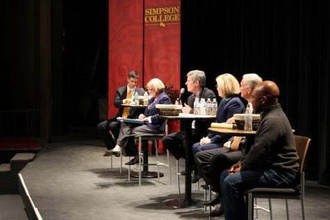Democratic candidates for governor speak at Simpson, criticize Gov. Reynolds