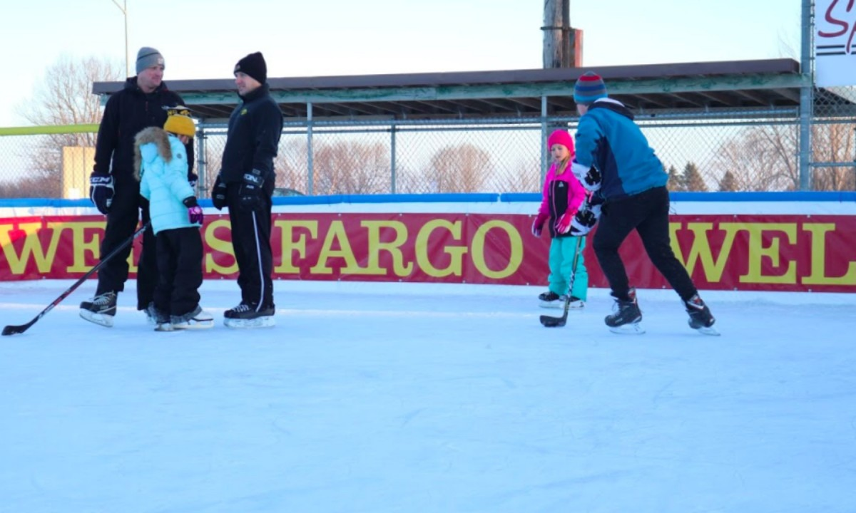 Visitors enjoy Indianola's new ice skating rink after colder temperatures finally set in. Photo by Coby Berg/The Simpsonian