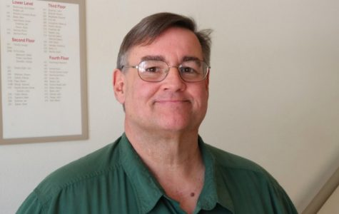Professor Mark Bates retires after 21 years of service to Simpson College