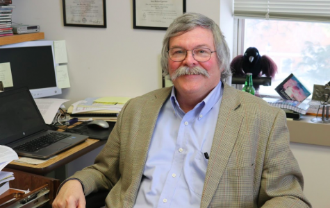 Simpson political science professor retires after more than 40 years