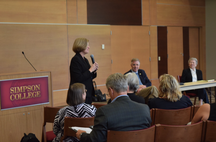 Students and faculty discuss what they want in the next Simpson President.