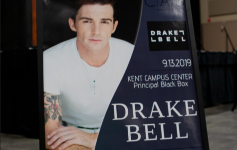 """Hug me brotha!"" Drake Bell set to perform in Black Box"