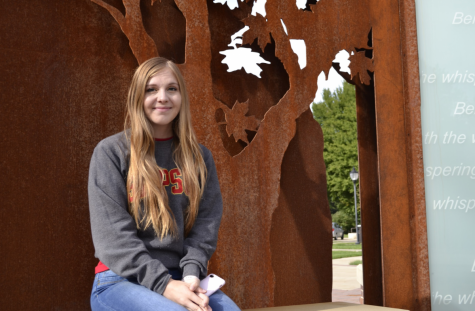 Senior Spotlight: Rachel Hollingsworth