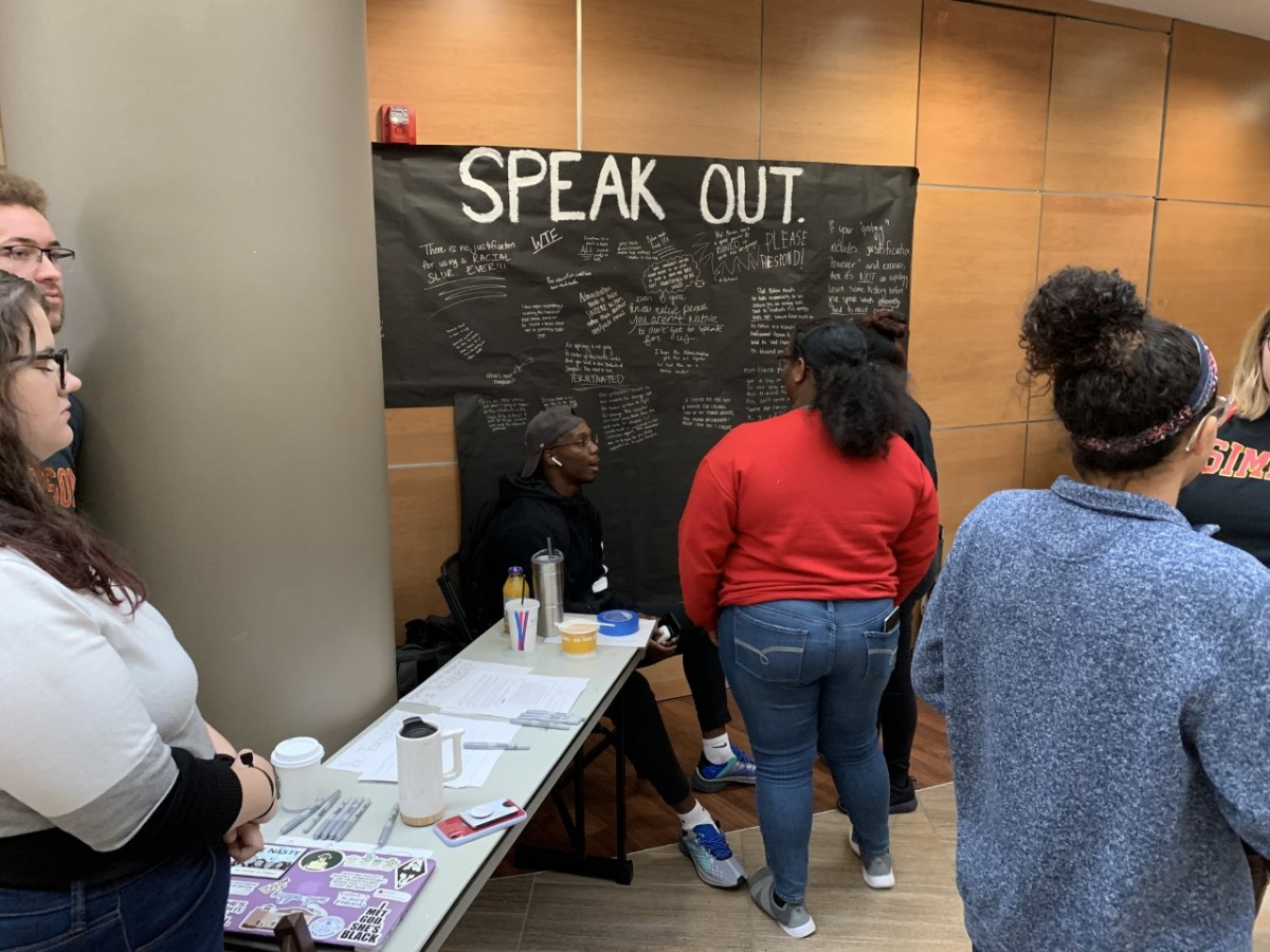 Student Government Association tables in Kent to talk about the issue. / photo by Gunnar Davis