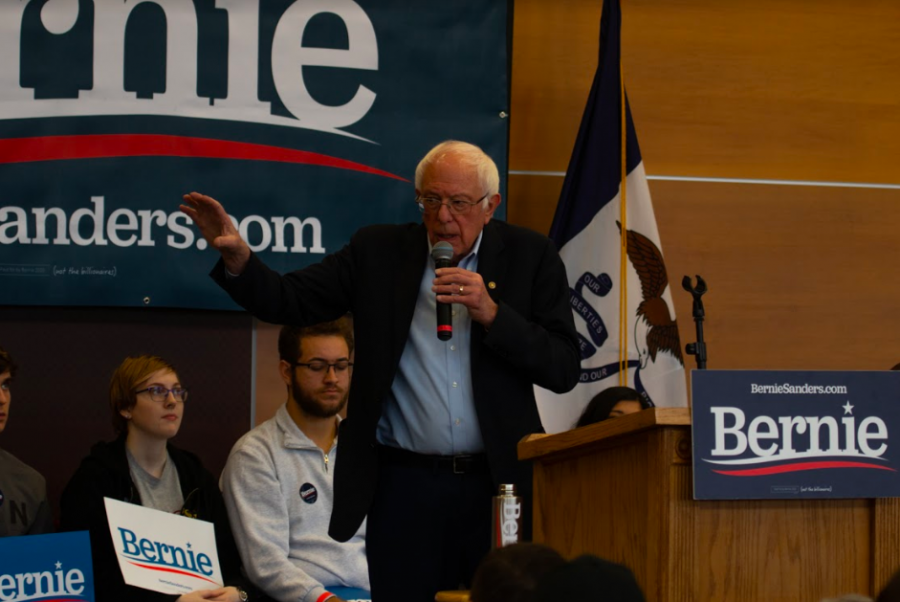 Indianola and Simpson College communities hear from Senator Bernie Sanders