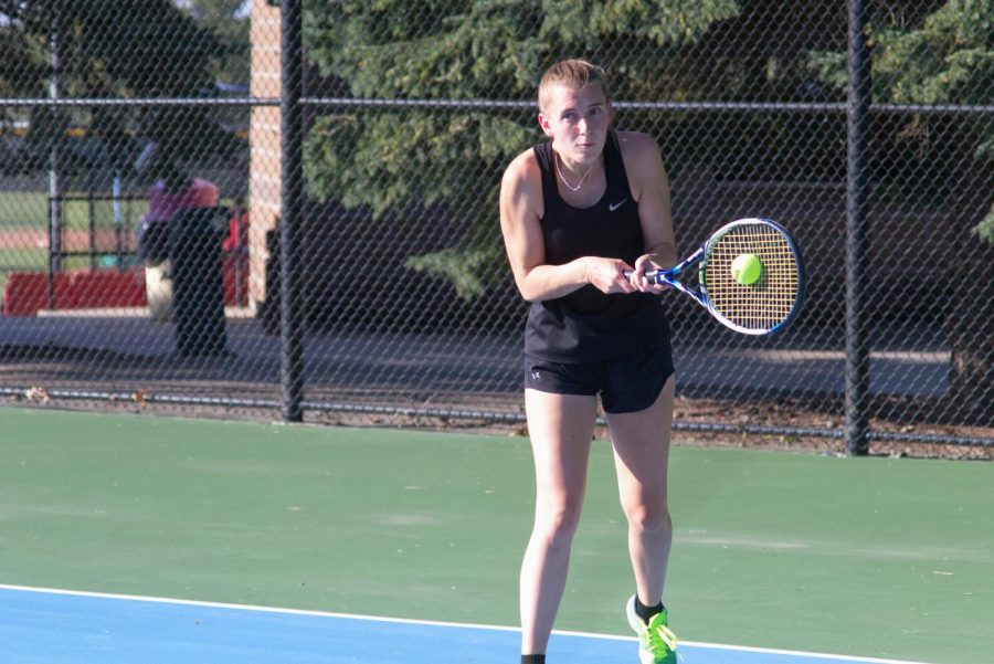Women's Tennis Swinging Through Conference Schedule